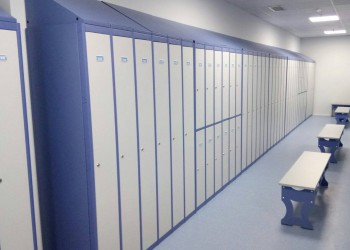 Lockers & benches